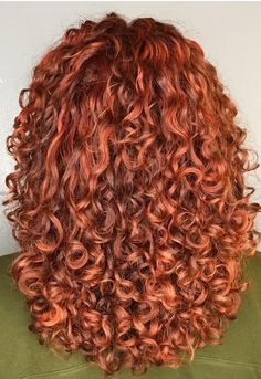 Ok this color is gorgeous Red Hair Day, Red Hair Color, Long Curly Hair, Curly Hair Styles, Natural Hair Styles, Permed Hairstyles, Ginger Hair, Healthy Hair, Hair Cuts