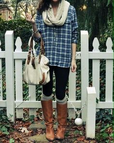 Outfit - Black Tank Top - Blue Flannel - Long Dark Gray, Cable Knit Cardigan - Black Leggings - Black Boots - Beige Infinity Scarf The purse tho Fall Winter Outfits, Winter Wear, Autumn Winter Fashion, Long Winter, Spring Outfits, Boots Beige, Black Boots, Brown Boots, Looks Style