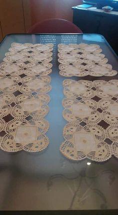 Crochet Lace Edging, Crochet Doilies, Crochet Flowers, Crochet Tablecloth, Diy And Crafts, Quilt, Instagram Posts, Maria Jose, Couture