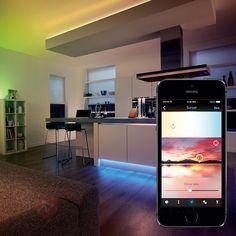 Ganz einfach die passende Lichtfarbe für 50 miteinander vernetzte Lichtquellen wählen. Die moderne #LED-Lichttechnik erlaubt fließenden #Farbwechsel für jede einzelne Lichtquelle.