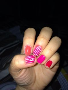 Pink-orange-red Ombre striped nails