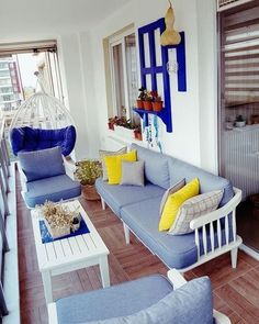 Diy Outdoor Room Patio Balkon – home accessories Outdoor Table Decor, Outdoor Balcony, Patio Table, Diy Table, Outdoor Rooms, Balkon Design, Interior And Exterior, Home Accessories, Living Spaces