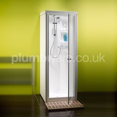 Space saving shower cubicle. The Kingston Compact range with its reduced dimensions, can be located in the most restricted of spaces.