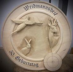 Rehbock, Fasan, Feldhase - geschnitzt in Linde. Clock, Decor, Pheasant, Wood Carvings, Watch, Decoration, Dekoration, Inredning, Interior Decorating