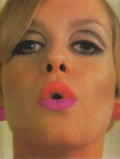 Twiggy Iconic model British legend portrait photograph 8 x 10 photo 2 1960s Makeup, Twiggy Makeup, Retro Makeup, Vintage Makeup, Vintage Beauty, Sixties Makeup, Mod Makeup, Makeup Inspo, Makeup Inspiration