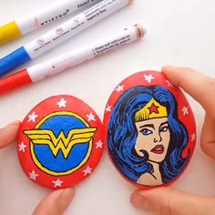 Super hero rock painting ideas for kids and adults DC universe comics Painted rocks with acrylic markers Learn how to create this stunning Wonder Woman rocks with our new tutorial Rock painting tutorial Kindness rocks pebble painting DIY painted rock Rock Painting Ideas Easy, Rock Painting Designs, Painting For Kids, Diy Painting, Blue Painting, Woman Painting, Pottery Painting, Painting Tutorials, Pebble Painting