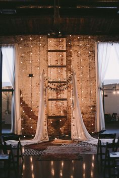 Need some trendy wedding backdrops ideas? We have a list of some of the most pinned wedding backdrop ideas you can think of! Mod Wedding, Rustic Wedding, Trendy Wedding, Whimsical Wedding, Ladder Wedding, Pallet Wedding, Magical Wedding, Wedding Window, Wedding Fur