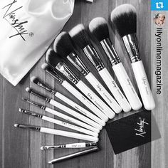 Masterful Collection Make-up Brush Set | Professional quality brushes for your eyes, face, and lips. ♥ ‪#‎nanshy‬ ‪#‎repost‬ ‪#‎beauty‬ ‪#‎makeup‬ ‪#‎makeupbrushes‬ ‪#‎makeupbrushset‬ ‪#‎masterfulcollection‬
