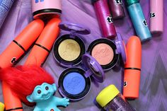 awesome Seien Sie ein Blue Belle mit der MAC-Great Luck Trolls Sammlung Check more at http://frisuren-haarstyle.com/seien-sie-ein-blue-belle-mit-der-mac-great-luck-trolls-sammlung/