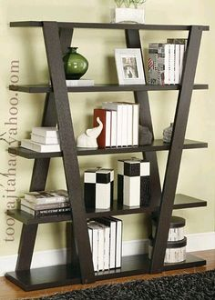 32 Stunning Bookshelf Design Ideas For A Minimalist Home That You Should Try - Bookshelf furniture pieces are very interesting. Their main function, to store and keep books, is a simple yet very important one. Most people think t. Home Decor Furniture, Pallet Furniture, Furniture Projects, Diy Home Decor, Furniture Design, Room Decor, Bookshelf Design, Wall Shelves Design, Ladder Bookshelf