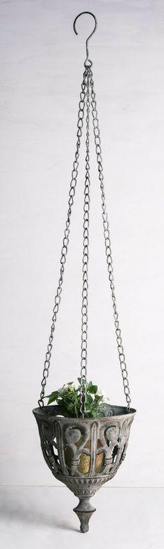 Would look enchanting in dining room Rustic 21cm Metal Three Chain Hanging Planter