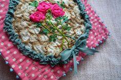 facile cécile: Chocolatine en Rose . . . using ribbon