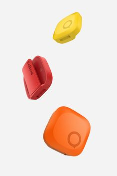 Follow - GPS Pet Tracker on Behance Wearable Device, Wearable Technology, Ficus, Dog Control, Cool Swords, Bluetooth Remote, Tech Accessories, Industrial Design, Cool Designs