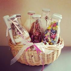 Die 40 Besten Bilder Von Geschenk Haus Small Gifts Gift Basket