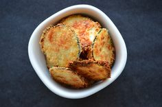 Healthy Snack: Zuchinni Pecorino Chips - the Jottings Healthy Eating Recipes, Healthy Dishes, Healthy Treats, Tasty Dishes, Snack Recipes, Healthy Food, Healthy Chips, Smart Snacks, I Want Food