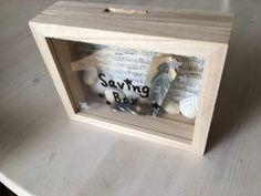 100均材料で簡単子供と工作♪セリアのコレクションケースで中身が見える木の貯金箱の作り方♪おしゃれにも可愛くも自分好みにデコって楽しもう♪