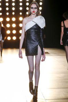 saint-laurent-rtw-fw15-runway-30 – Vogue