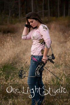 girls bow hunt too! i loved my senior pictures Hunting Senior Pictures, Country Senior Pictures, Girl Senior Pictures, Poses For Pictures, Senior Girls, Picture Poses, Senior Photos, Senior Portraits, Picture Ideas