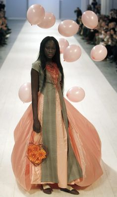 Have you ever seen a balloon-bearing dress before