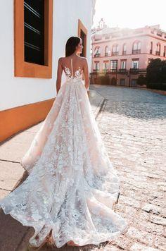 Crystal design 2017 www.istoriesgamou.gr wedding dress