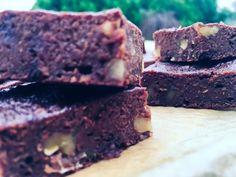 Lahodné brownies s čokoládovými čipsami a orechami (bez oleja)