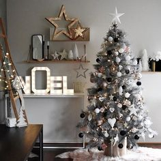 Christmas #2017...Happy Friday, Happy start of Summer, fun, family, friends and the silly season. Have a fab day!!! #interiordesign #interiordecorating #interiorstyling #interiordecorator #interiorstylist #decor #interiors #design #colourselections #colourconsultant #blush #black #tosegold #white #christmas #christmas #christmastree #christmas2017