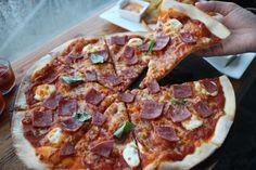 1 Noma ( Pizza ). mantaaaaaaf ngak habis ... baawa pulang!!! hhihi