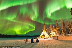 New Year's Eve in Canada. Aurora Borealis. Is there anything more beautiful than nature? Ethereal: O Chul said he felt something great was about to happen just before he captured this moment. Best wishes to the world!