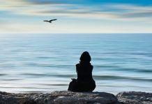 Ψυχολόγοι: Αυτά τα τρία πράγματα που μας κρατάνε στη μοναξιά και πως θα τα ξεπεράσουμε