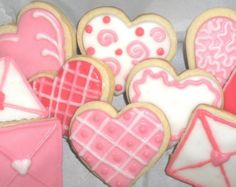 HEART COOKIESDecorated sugar cookie with rich by BrokenRoadFarm