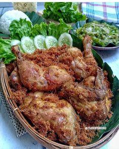Malay Food, Indonesian Cuisine, Indonesian Recipes, Food Pack, Asian Recipes, Ethnic Recipes, Chicken Cordon, Malaysian Food, World Recipes