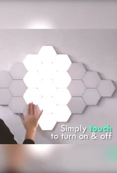 LED Hexagonal Touch Sensitive Lights Wall Decor Lamps – Lewe Decor - You want magnetic attraction LED lights on your wall? Use this modular touch screen wall light. Diy Wall Decor, Diy Home Decor, Unique Wall Decor, Diy Bathroom Decor, Metal Wall Decor, Wall Decorations, Creative Decor, Estilo High Tech, Modern Wall Lights