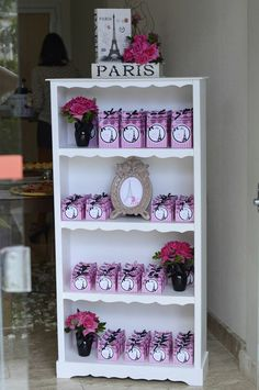 Rosa Paris aniversário Idéias Planejamento Festas Fontes idéia do bolo
