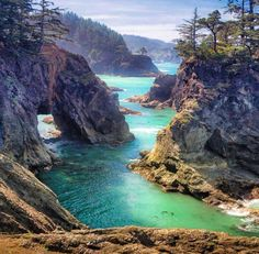 Off the Beaten Path in Oregon. Our Top 10 Secret Finds. - Opting Out of Normal MENaturalBridgesCove<br> If you're looking for the best places in Oregon a little off the beaten path, and a little more unique, check out our travel advice! Oregon Trail, Oregon Road Trip, Southern Oregon Coast, Ecola State Park, Visit Oregon, Oregon Vacation, Vacation Spots, Vacation Places, Oregon Waterfalls