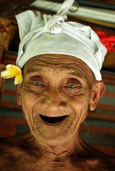smile https://www.pinterest.com/dominiep/aged-amazing/