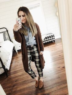 dc77ea9ecdc 12 ways to style a chambray shirt. Preppy Winter OutfitsCasual ...