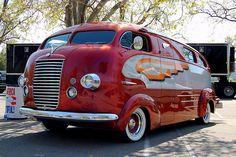 Vintage motorhome. Cool.