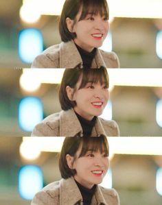 on pic 🙏🏻 Song Hye Kyo Hair, Song Joong Ki, Sad Anime Quotes, Shot Hair Styles, Most Beautiful Women, Snow White, Hair Makeup, Boyfriend, Actresses