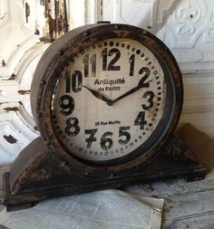 In LOVE with this clock! Great website too for crafts and garden decor