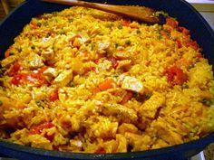 Synek začal intenzivně navštěvovat posilovnu a to se rovná zvýšené konzumaci rýže. Takže jsou z nás všech poloviční Číňani a při týdenním ve...