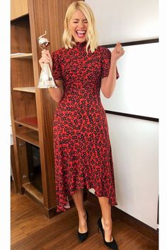 Ghost London produces some of the finest boho and bohemian dresses available in the UK. Shop our looks and selection of vintage style wedding clothing today! Holly Willoughby Outfits, Holly Willoughby Style, Look Fashion, Girl Fashion, Fashion Outfits, Fashion Ideas, Winter Fashion, Olive Dress, Silk Floral Dress