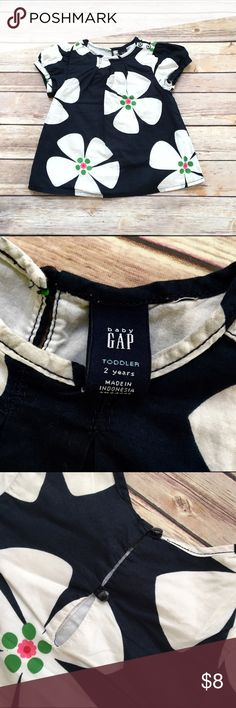 Gap flower top Gap shirt, 2 year size, good used condition GAP Shirts & Tops Tees - Short Sleeve