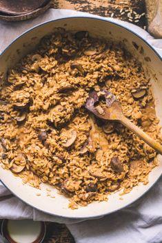 Vegan Brown Rice Mushroom Risotto / Miso Paste Vegan Dinner Recipes, Vegan Dinners, Fall Recipes, Vegan Gluten Free, Vegan Vegetarian, Vegan Risotto, Daniel Fast Recipes, Mushroom Risotto, Winter Food