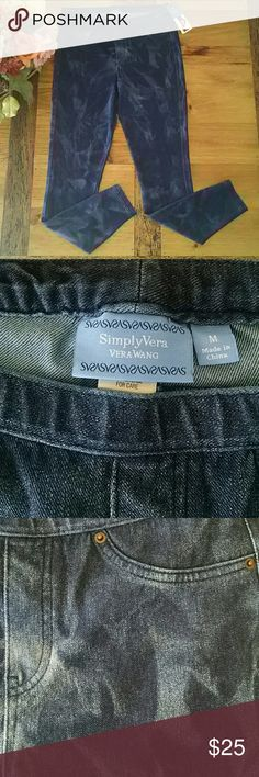 NWT Vera Wang Acid Wash Leggings M Starburst wash blue denim leggings, 55% cotton, 33% polyester, 12% spandex. Brand new with tags. Comes from a smoke free, pet free home. Simply Vera Vera Wang Pants Leggings