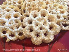 Bounafej oder Chbabek el janna Arabic Sweets, Desserts, Cookies, Breakfast, Food, Deep Frying, Powdered Sugar, Waffle Iron, Pistachios