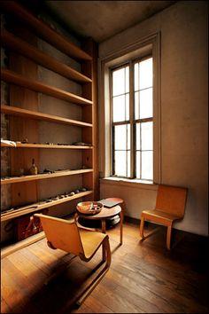 redhousecanada:    Two of Donald Judd's Alvar Aalto chairs.  Fred R. Conrad/The New York Times  (Judd Art/Work © Judd Foundation by VAGA, New York 2006)  uekou77: