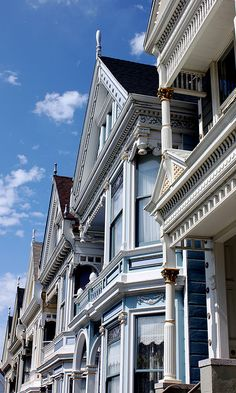 Painted Ladies. Alamo Square, San Francisco, CALIFORNIA.  (by mbonde, via Flickr)