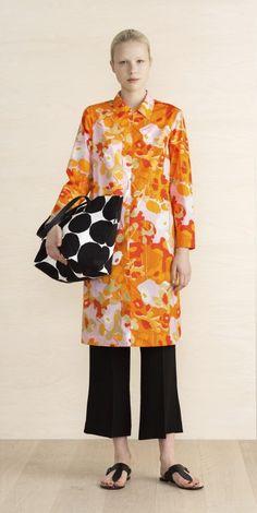 Oskarine shirtdress by Marimekko. I like the tunic length top with cropped black pants. Black Cropped Pants, Marimekko, Office Outfits, Fashion Outfits, Womens Fashion, Online Shopping Clothes, Spring Summer Fashion, Beautiful Outfits, Summer Outfits
