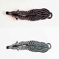 "1,556 Me gusta, 12 comentarios - The Printmakers' Showcase (@im_printed) en Instagram: ""By @pleatandforest #pleatandforest • #zebra #zebraback #aerialview #zebraprint • #printmaker…"""
