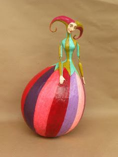 mauricio perez - this would make a cool gourd! Clay Crafts, Arts And Crafts, Paper Crafts, All Paper, Paper Art, Paper Mache Clay, Paperclay, Gourd Art, Diy Crafts To Sell